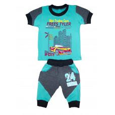 Комплект для хлопчиків, футболка і бриджі.